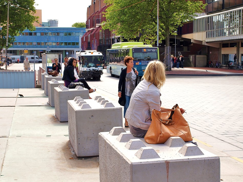 Zitten in de stad lodewijk brunt - William whyte the social life of small urban spaces model ...